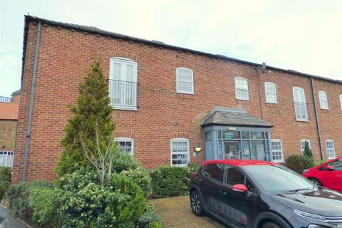 2 bedroom flat for sale - Flemingate Court, Beverley, East Riding of Yorkshire, HU17 0LL