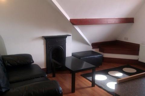 1 bedroom flat to rent - Penylan Place, Roath, (1 Bed) Top Floor