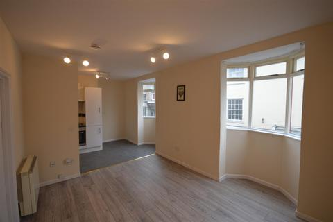 2 bedroom flat to rent - West End, Redruth