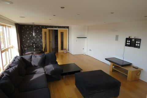3 bedroom penthouse to rent - St. Swithins Square, Lincoln