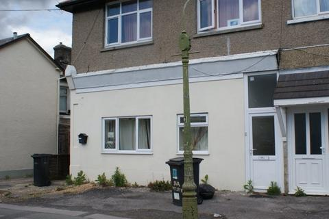 2 bedroom flat to rent - Wycliffe Road, Winton