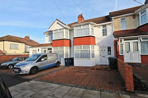 3 bedroom terraced house to rent - Argyll Avenue, Southall