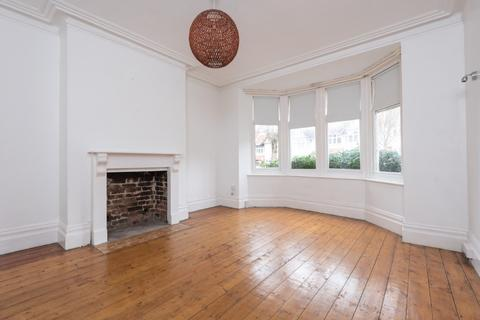 2 bedroom flat for sale - Wilbury Crescent, Hove, East Sussex, BN3