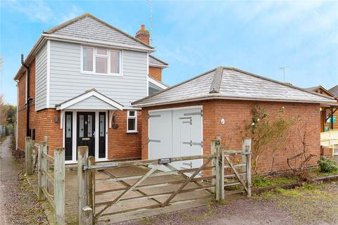 4 bedroom detached house for sale - Springfield Green, Chelmsford, Essex, CM1