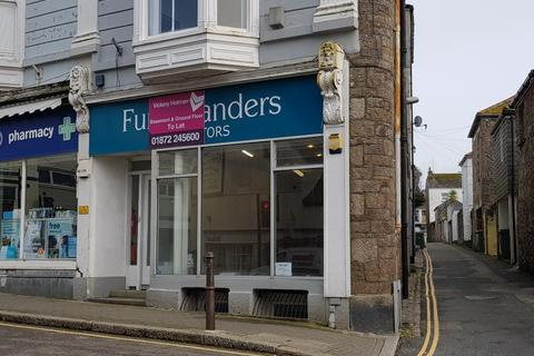 Retail property (high street) to rent - Stewarts Buildings, Penzance, Cornwall