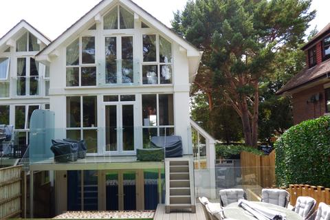 4 bedroom semi-detached house to rent - Panorama Road, Poole, Dorset BH13