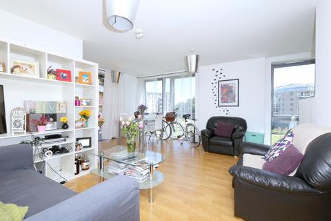 2 bedroom flat to rent - Southwold Road, Hackney, London E5