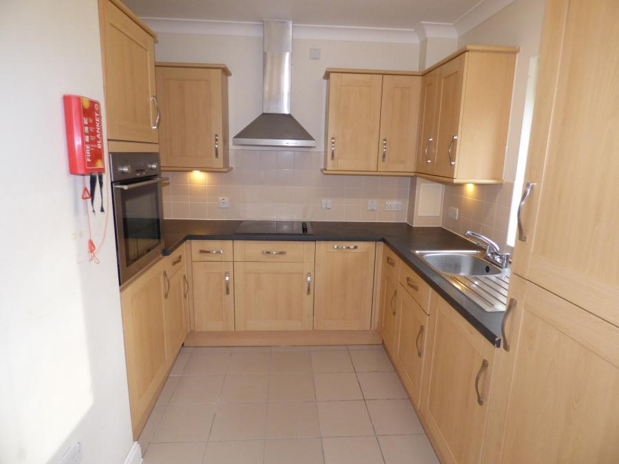 1 Bedroom Retirement Flat in Goodwin Court for Sa