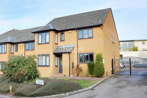 2 bedroom flat for sale - Mallards, River Lane, Cambridge