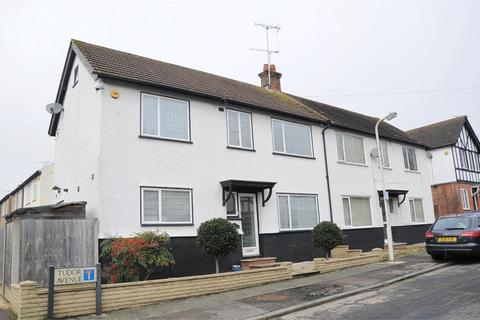 3 bedroom semi-detached house to rent - Tudor Avenue, Chelmsford, Essex