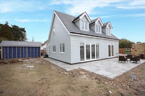4 bedroom detached house for sale - Elmham Drive, Nacton, Ipswich, Suffolk