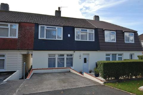 3 bedroom terraced house for sale - Warwick Avenue, Plymouth. CASH BUYERS ONLY. 3 bed property with a driveway & garden.