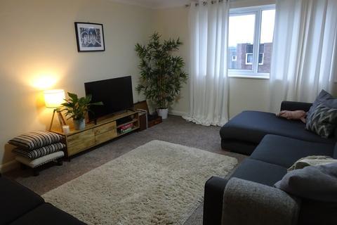 2 bedroom apartment to rent - Kingsway Court, Moortown