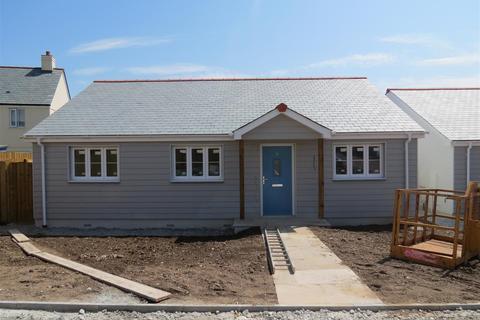 3 bedroom detached bungalow for sale - Menear Road, St. Austell