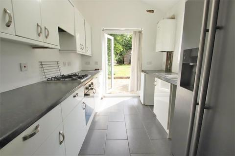 3 bedroom terraced house to rent - Verdun Road, London