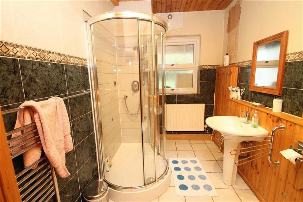 Shower Room/Cloaks