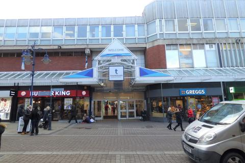 Retail property (high street) to rent - Thamesgate Shopping Centre, Gravesend