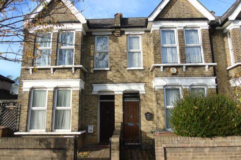 3 bedroom end of terrace house for sale - Pretoria Road, London E4