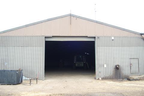 Warehouse to rent - Navestock