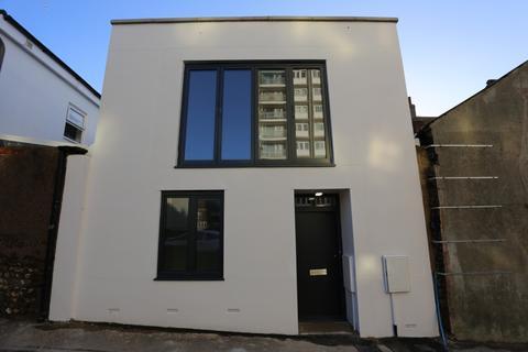 2 bedroom terraced house to rent - Chapel Street, Brighton