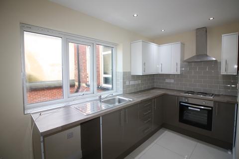 2 bedroom apartment to rent - Chapeltown Road, Leeds, West Yorkshire, LS7