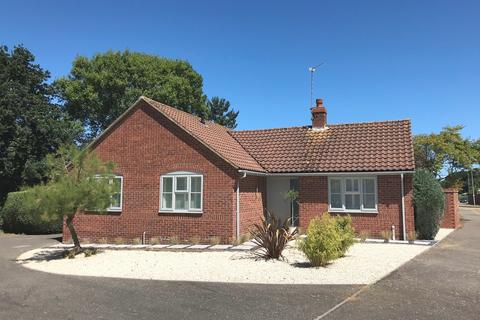 3 bedroom detached bungalow for sale - Woodfield Road, Holt, Norfolk