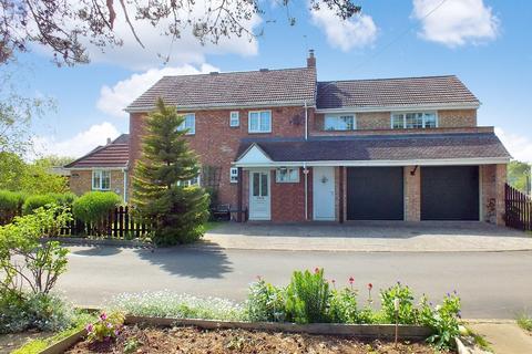 4 bedroom detached house for sale - Kemble
