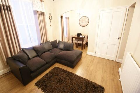 2 bedroom flat to rent - Clifton Road, Exeter