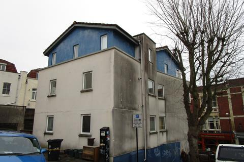2 bedroom apartment to rent - Highland Crescent, Clifton Bristol