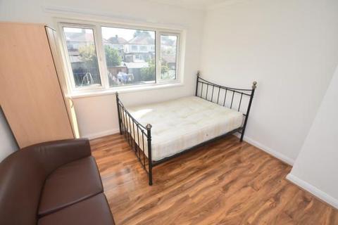 1 bedroom flat to rent - Holyrood Avenue, Harrow