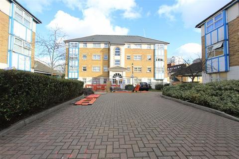 2 bedroom flat for sale - Adeliza Close, Barking, Essex, IG11