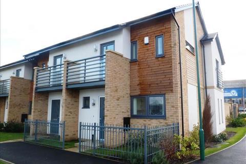 2 bedroom house for sale - Hawksbill Way, Peterborough