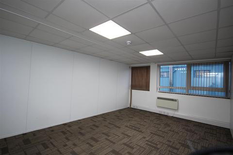 Office to rent - Coronation Road, Park Royal NW10 7PR