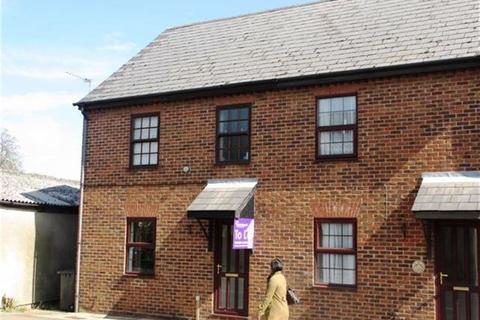 Studio to rent - Robbs Walk, Cambs