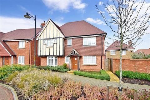 4 bedroom detached house for sale - Beacon Avenue, Kings Hill, West Malling, Kent