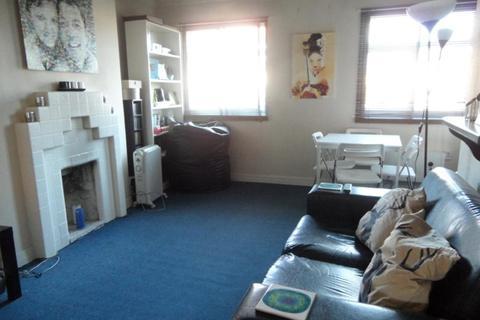 1 bedroom flat to rent - Ashbourne Parade, London