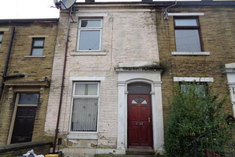 4 bedroom terraced house to rent - Crossley Street, Bradford BD7