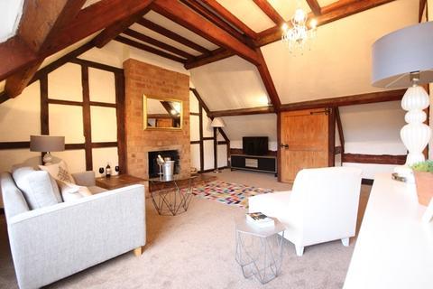 2 bedroom flat to rent - Main Street, Bishampton