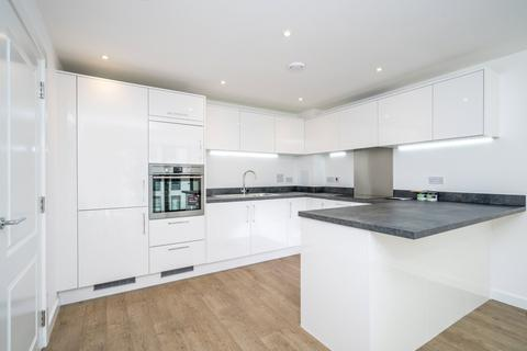 1 bedroom apartment to rent - Lapwing Heights, Waterside Way, London, N17
