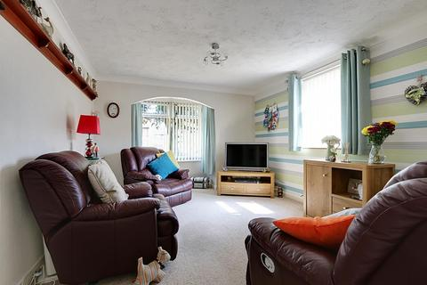 2 bedroom apartment for sale - Regis Court, Hull, East Riding of Yorkshire, HU9