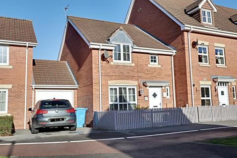 3 bedroom semi-detached house for sale - Woodheys Park, Kingswood, Hull, East Riding of Yorkshire, HU7