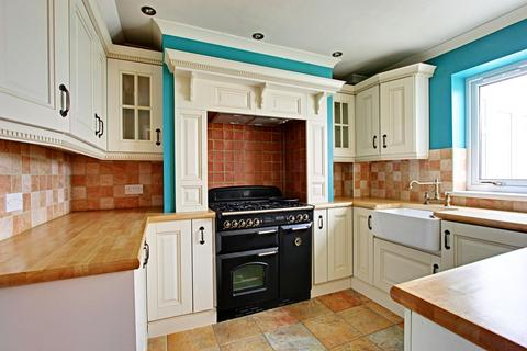 3 bedroom semi-detached house for sale - Downfield Avenue, Hull, East Riding of Yorkshire, HU6