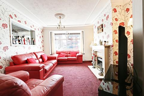 3 bedroom semi-detached house for sale - Silverdale Road, Hull, East Riding of Yorkshire, HU6