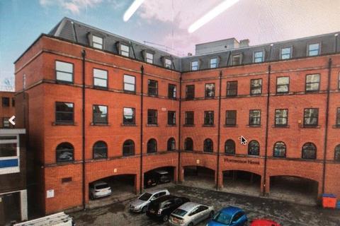 1 bedroom flat - Newport road, bolton BL1