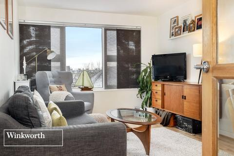 2 bedroom flat for sale - Wilbury Avenue, Hove, East Sussex, BN3