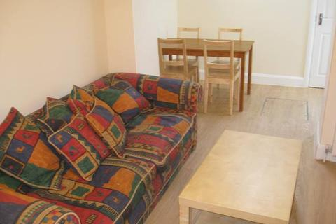 1 bedroom flat - Sinclair Road, Hammersmith  W14