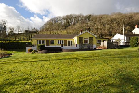 4 bedroom bungalow for sale - Glenafon, Cwmduad, Carmarthen SA33 6XJ