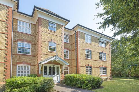 2 bedroom flat for sale - Buchanan Close, Winchmore Hill