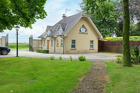 2 bedroom detached house for sale - Riplingham Court, Riplingham Road, West Ella, Hull, HU10