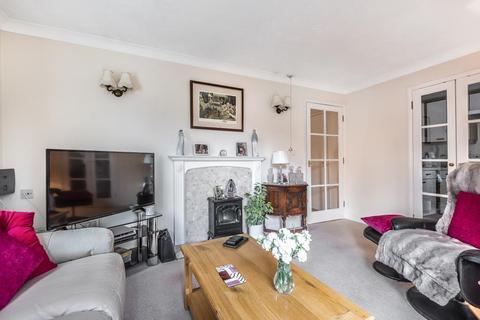 2 bedroom retirement property for sale - Bagshot, Surrey, GU19